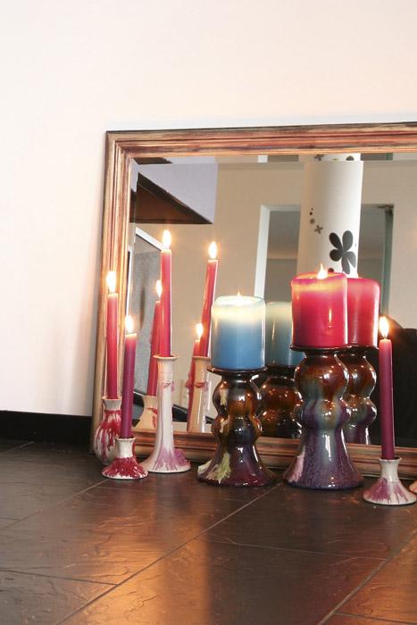Dekoration mit Kerzen und Spiegel