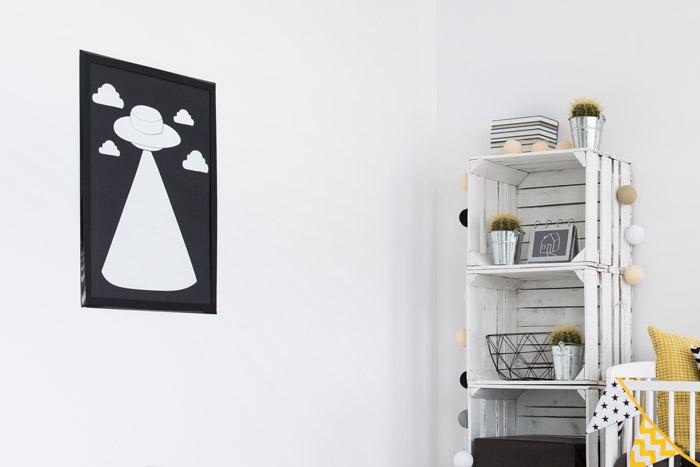 Schwarz-weißes Wandbild im Kinderzimmer